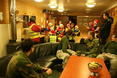 skogfoss skole grensestasjonen besøkes