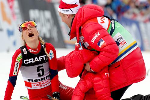 Therese Johaug på toppen av monsterbakken som avslutter Tour de Ski i Val di Fiemme. Foto: Hemmersbach/NordicFocus.