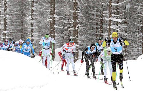 Hender det er nok snø i massevis, som her da Audun Laugaland, mannen som nå går for Team LeasePlan Go, i en tidligere utgave av Jizerska tauet hele hovedfeltet. Foto: Susanka/NordicFocus.