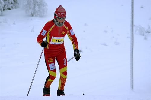May Bente Weng på vei mot seier i Stenfjellrunden 2012. Foto: Stein Arne Negård.