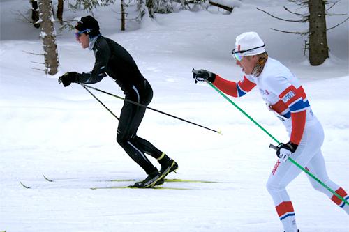 Nr 1 og 2 i Hauern 2012 - Arne Kristoffer Sand (nr. 1 i hvit drakt) og Anders Brun. Foto: Gardsgutta.com.