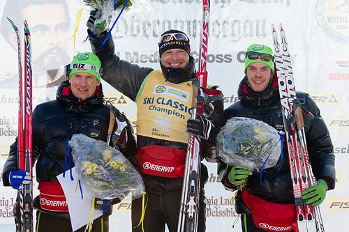 Seierspallen i König Ludwig Lauf 2012. Fra venstre: Jerry Ahrlin (2), Stanislav Rezac (1) og Jørgen Aukland (2). Foto: Magnus Östh/Ski Classics.