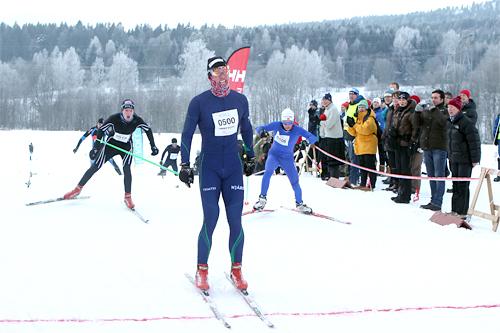 Ragnar Bragvin Andresen krysser målstreken i Kollmila på raske 21:44.