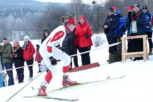 Synne Myhre fra Lyn Ski på vei inn til seier i Kollmila 2012.