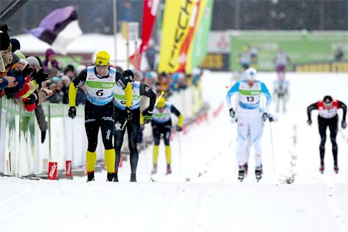 Jörgen Brink med startnummer 6 tar spurten i Tartu Maraton 2012. Foto: Laiho/NordicFocus.