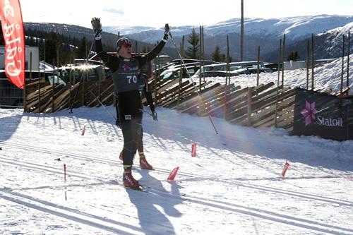 Magnus Moholt går inn til sprint-seier i norgescupen på Gålå 2012. Foto: Audun Skattebo.