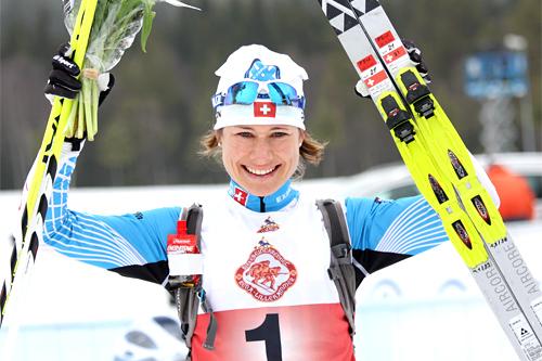 Seraina Boner smiler etter å ha vunnet Birkebeinerrennet 2012. Foto: Geir Nilsen/Langrenn.com.