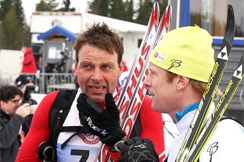 Erling Jevne, til venstre, og Bjørn Dæhlie etter målgang i en tidligere utgave av Birkebeinerrennet. Foto: Geir Nilsen/Langrenn.com.