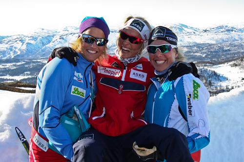 Vibeke Skofterud, Therese Johaug og Kristin Størmer Steira kastet glans over Rauland Power Climb 2012. Foto: Live Skinnes
