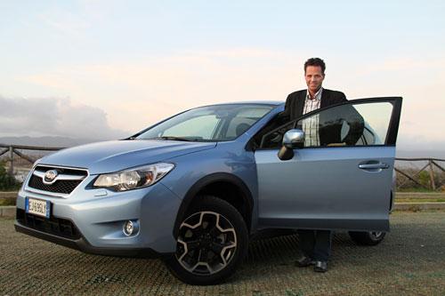 Stian Thrane med en Subaru XV.