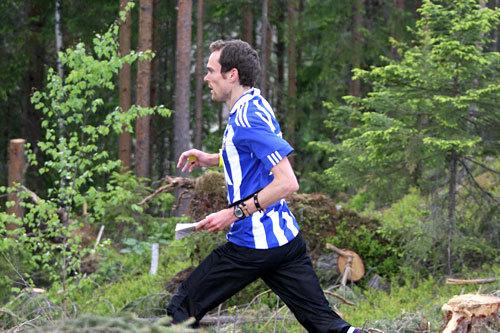 Audun fra ski- og orienteringsfamilien Hultgreen Weltzien er her på vei mot 7. post i et VM-uttaksløp i Hønefoss og Ringerike i mai 2012. Foto: Geir Nilsen/OPN.no.