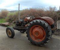 Rød traktor