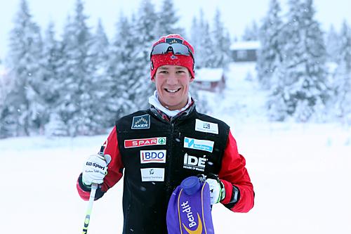 Kristian Tettli Rennemo i vinterdrakt i desember 2012. Lørdag handlet det derimot om sommer og motbakkeløpet Våttån Opp hvor løperen fra Leksvik IL kom først i mål. Foto: Erik Borg.