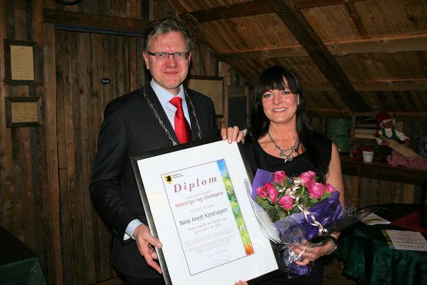 Nina Kjoshagen fikk Nærings- og tiltaksprisen for 2012