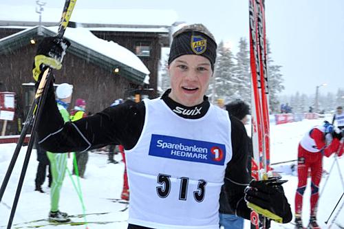 Bjørn Vidar Suhr er klar for junior-VM. Her jubler etter å ha seiret i 15 kilometer klassisk på Sjusjøen i forbindelse med juniorenes VM-mønstring like før jul. Foto: Lars Freng.