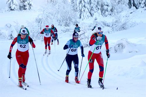 Teten blant damene ute på første runde i Gåsburennet 2012. Foto: Stein Arne Negård.