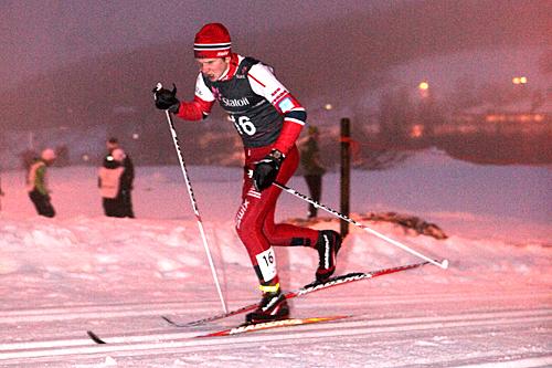 Yr og vanskelige forhold preget landskapet da Kristoffer Bryhn en tidligere sesong deltok i norgescupen i Steinkjer. Lørdag var forholdene gode, men det skulle klatres 1.600 meter, noe Bryhn fikset glatt. Foto: Erik Borg.