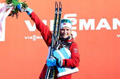 Therese Johaug var i kjent stil svært så rask på finale-etappen opp monsterbakken i Tour de Ski 2012-2013. Foto: Felgenhauer/NordicFocus.