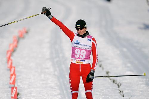 Valentina Shevchenko jubler på oppløpet etter å ha vunnet Jizerska 2013 med god margin. Foto: Rauschendorfer/NordicFocus.