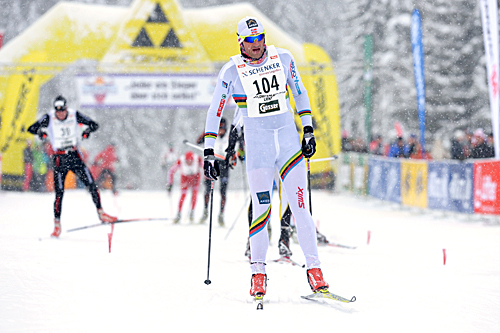 Petter Northug går her inn til tredjeplass i det 42 kilometer lange fristilsrennet Dolomitenlauf i Østerrike 2013. Foto: Felgenhauer/NordicFocus