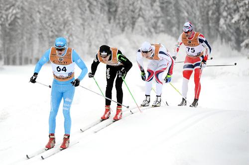 Illustrasjonsbilde: Deler av feltet i Marcialonga 2013. I front Espen Harald Bjerke fra Team Coop, mens Anders Högberg i Team Skigo ligger på halen. Foto: Rauschendorfer/NordicFocus.