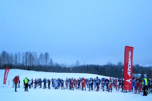 Klart for grytidlig start for Grenaderløpet i Hakadal et tidligere år. Foto: Bård Bakke/Amer Sports.