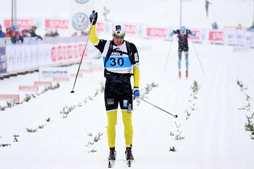 Eldar Rønning inn til 2. plass i Birkebeinerrennet 2013. Kun slått av Anders Aukland. Bak Rønning følger Espen Harald Bjerke. Foto: Geir Nilsen/Langrenn.com.