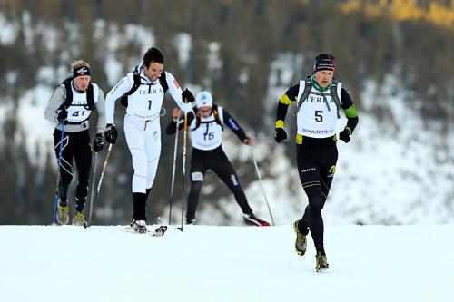 Fritt utstyrsvalg i Monsterbakken Vassfjellet 2013 gjorde at noen valgte å stille uten ski og staver, slik som orienteringsløper Arild Nomeland. På toppen var han nr. 3 i mål.. Foto: Aapo Laiho.