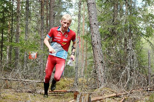 Om sommeren er Magne Haga, som da representerer Raumar, blant landets beste juniorer i orientering. Foto: Erik Borg.