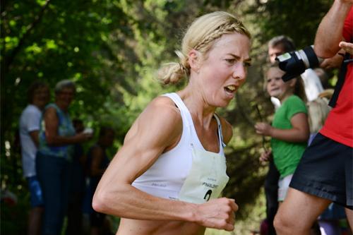 Kristin Størmer Steira på vei mot seier i Pinåsløpet 2013. Arrangørfoto.