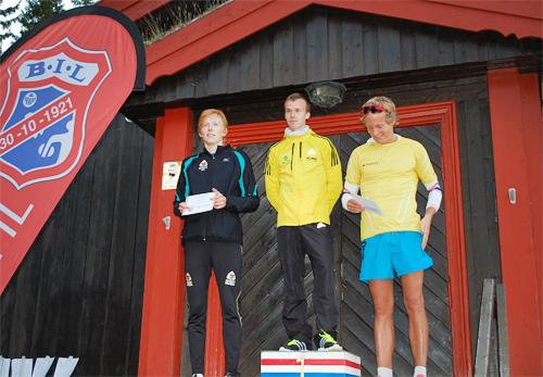 Herrenes seierspall i Bråtesten 2013. Arrangørfoto: Byåsen Langrenn.