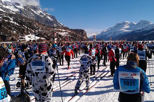 Engadin Skimarathon er et særdeles populært turrenn som samler godt over 10.000 deltakere og dette langløpet går i nydelige omgivelser. Foto: Lars Vagle.