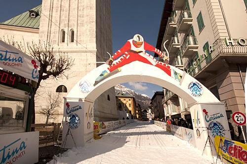 Toblach/Dobbiaco-Cortina med mål på torget i Cortina d