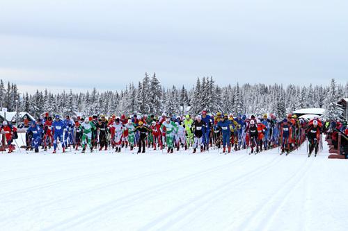 Fra starten av Romjulsrennet Sjusjøen 2013. Foto: Lars Erik Almo.