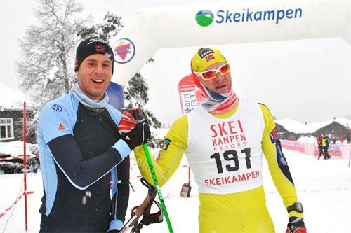 Magne Lund Hansen til venstre har akkurat gått inn til seier i Skeikampenrennet 2014, her sammen med løpets toer, Øystein Pettersen. Foto: Kristian Nordlunde.