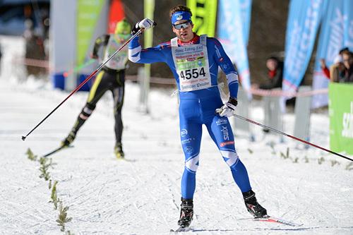 Tore Martin Søbak Gundersen går i mål til seier i skøyteutgaven av König Ludwig Lauf 2014. Foto: Rauschendorfer/NordicFocus.