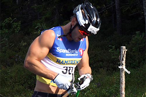 Johan Kjølstad under fellesstarten i Knyken ved Orkdal i forbindelse med det første rennet i Toppidrettsveka 2013. Foto: Geir Nilsen/Langrenn.com.