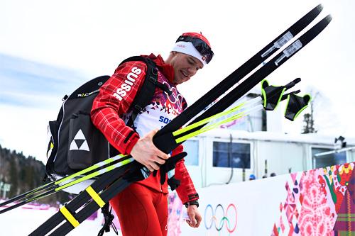 Dario Cologna etter sitt gull på 15 km klassisk under Sotsji-OL 2014. Foto: NordicFocus.