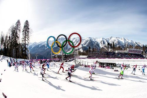 Feltet i OLs siste øvelse under lekene i Sotsji 2014, 5-mila for herrer. Foto: NordicFocus.