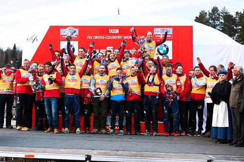Den norske verdenscuptroppen i Falun jubler over at Norge har blitt beste nasjon gjennom hele sesongen. Foto: Felgenhauer/NordicFocus.