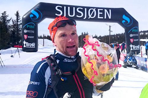 Svein Tore Sinnes var sterkest gjennom det 95 kilometer lange Lillehammer Troll Ski Marathon 2014. Foto: Geir Evensen.