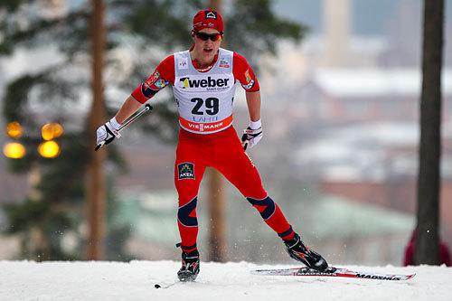 Simen Andreas Sveen på vei mot en sterk 12.-plass på 15 kilometer fri under verdenscupen i Lahti 2014. Foto: Laiho/NordicFocus.