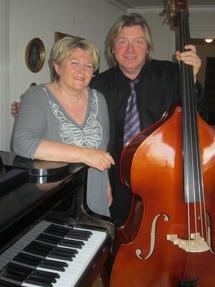 Lærerne Rita og Johannes_215x287.jpg
