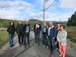 PNM-utvalget i Lund på den usikrede planovergangen på Tekse. (Lise Moen var ikke tilstede)