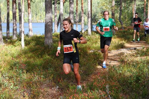 Nicoline Baardtvedt ble beste dame i Montebelloløpet 2014. Her er hun ved Kalmovannet. Arrangørfoto.