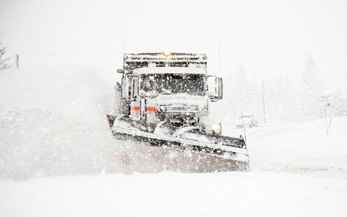 Illustrasjonsfoto brøyting av vei