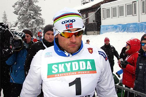 Petter Northug med startnummeret som bekrefter at han gikk til topps i Beitosprintens sprint 2014. Han avgjorde det hele på oppløpet. Foto: Geir Nilsen/Langrenn.com.