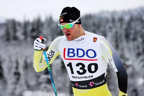 Øystein Pettersen på vei opp danskebakken under Beitosprintens 15 km klassisk 2014. Foto: Geir Nilsen/Langrenn.com.