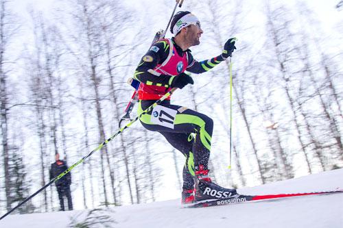 Martin Fourcade overbeviste og vant klart på 10 km sprint i skiskytternes verdenscup i Östersund 2014. Foto: Manzoni/NordicFocus.