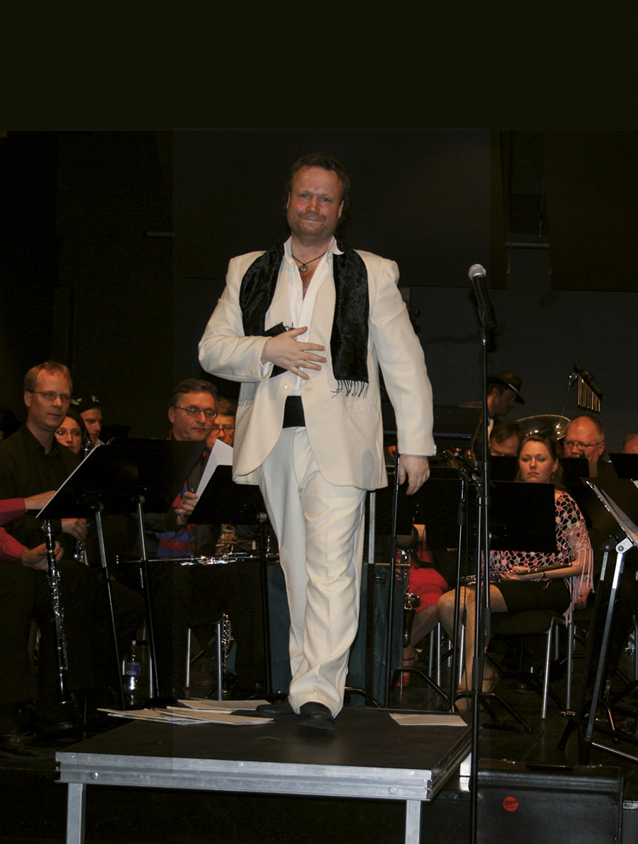 Richard på scenen, Latino Night, 2009
